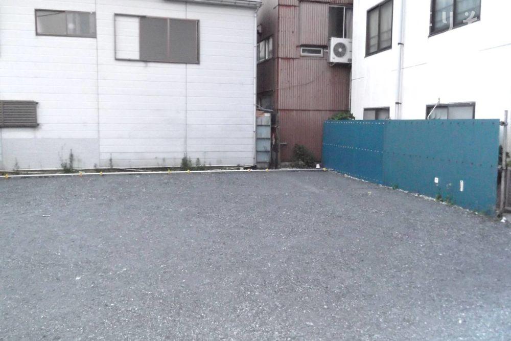 木場葬祭鶴見SORROWホールの駐車場写真
